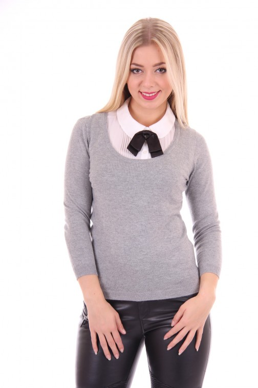 Relish pullover met witte blouse