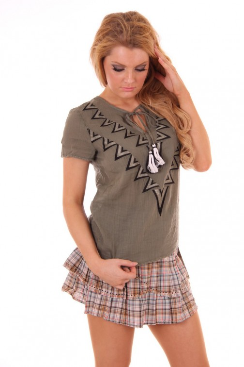 By Danie Aztek top Army green